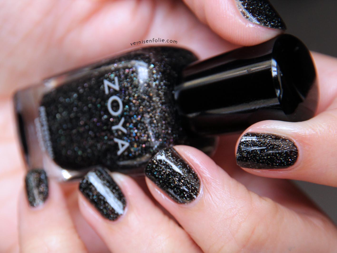 Ongles paillettes noir - Vernis a ongle noir ...