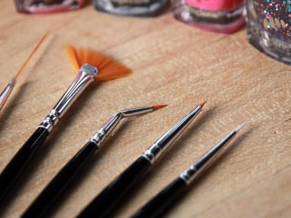 Kit de pinceaux nail art (L'Onglerie)