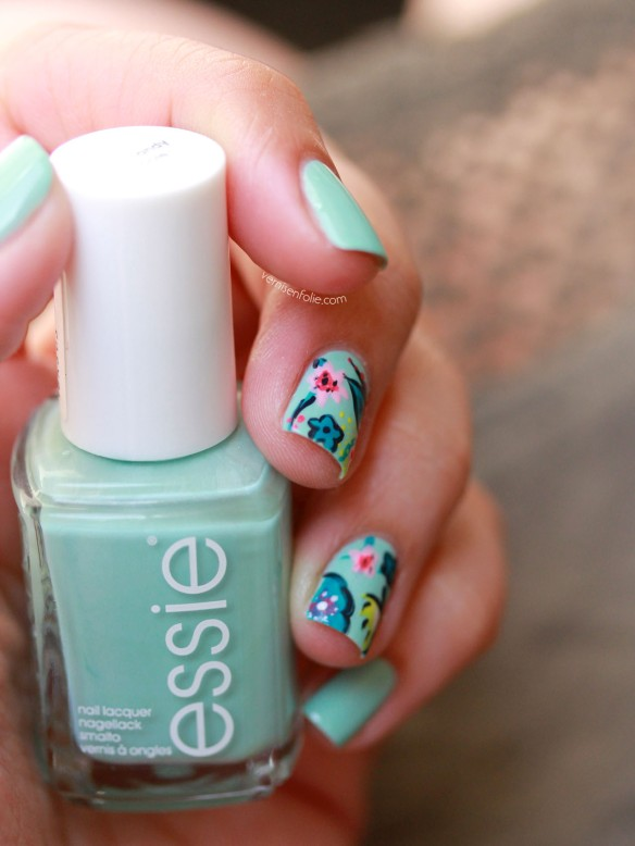 Tropical Nails ! // Mint Candy apple (Essie)